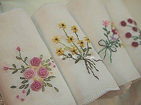 #Embroidery#stitch#needlework  #프랑스자수#일산프랑스자수#자수#자수손수건  #휴일~햇살좋은 창가에서 하나..둘..