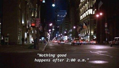 Me recordó las noches sin sueño, hablando hasta tarde con mi crush de una plática interminable...  S T Y L E S