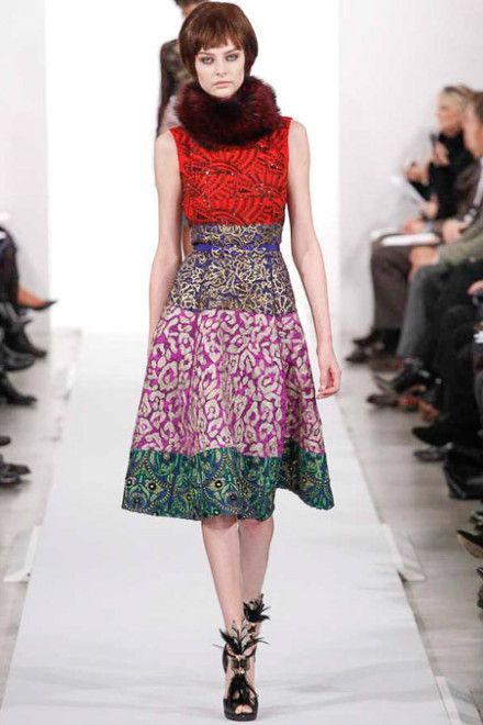 Oscar de la Renta's goal  is to create and offer clothes to women that they will want to wear and in which they will feel beautiful and ready for anything.