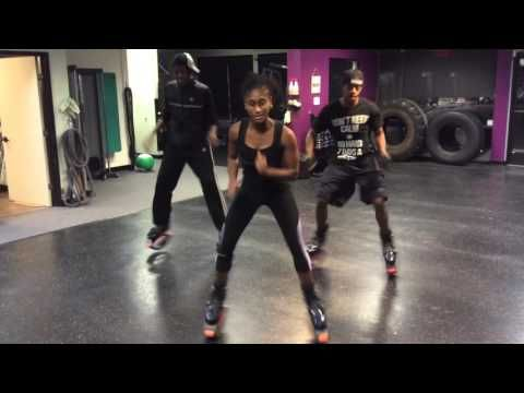 Team SWEAT - Pharrell Williams Happy - on Kangoo Jumps - YouTube