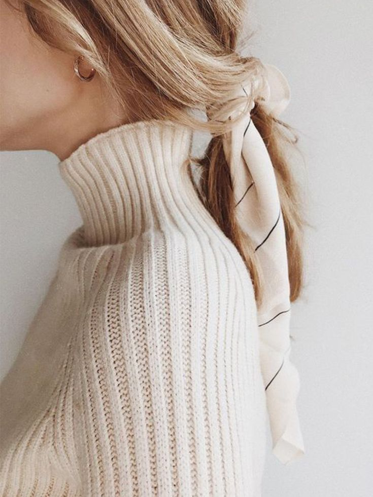 End of the week edit | Accessories for minimalists | Hair scarf | Hair scarf sty…