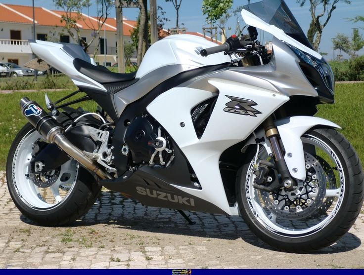 25 best ideas about gsxr 600 on pinterest r6 motorcycle. Black Bedroom Furniture Sets. Home Design Ideas