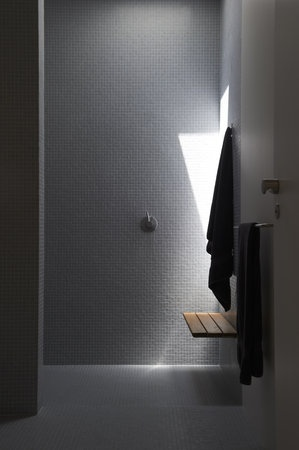 #shower #modern #home #decor #interior #design #inspiration #grey #black