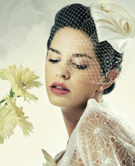 Fiore in seta con veletta