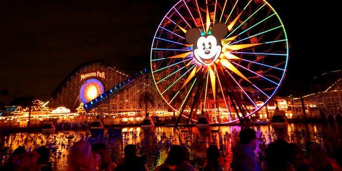 Disneyland, cena y lugar reservado para shows