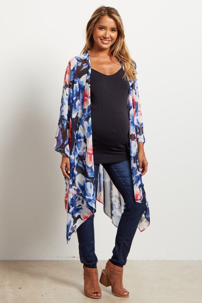 This lightweight, flowy kimono will have you falling in love. This kimono is not only very comfortable, but its stylish print will go with anything. Throw this on with a basic tee, maternity jeans, and flats to get a chic look.