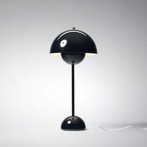 Kjøp AndTradition- Verner Panton Flower Pot VP3 sort - bordlampe