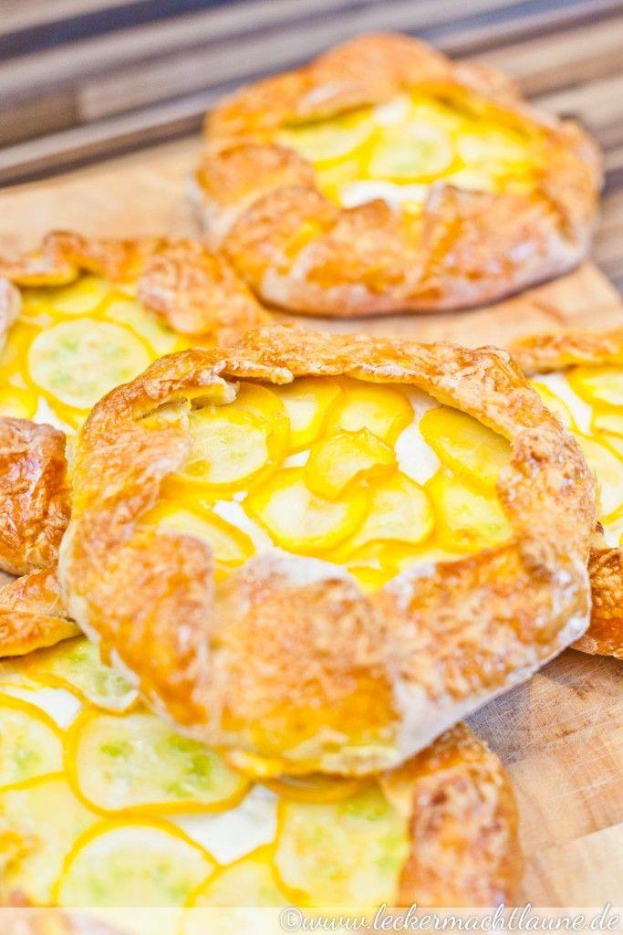Mini-Galettes mit Zucchini und dreierlei Käse   lecker macht laune