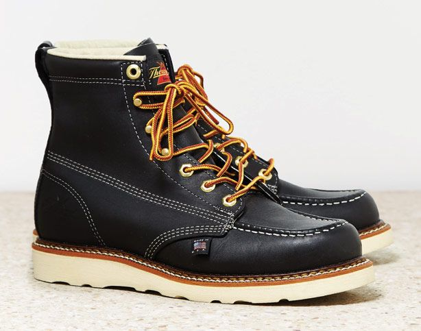 Looking to get on the work boot bandwagon without spending a ton? Check these Esquire approved ones from American Eagle: Thorogood Work Boots.