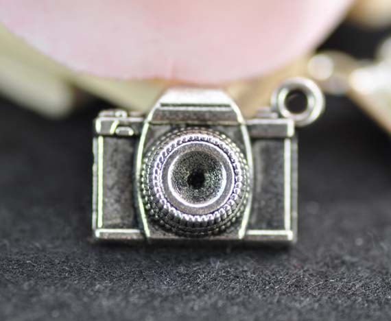 [PETER PARKER]  10pcs Antique Silver Camera Charms Pendant by FullLoveAccessories