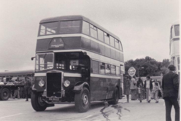 Alle Größen | Trans-Pennine Rally 1976 - ex-Ribble Motor Services Leyland 2057 at Harry Ramsden's, White Cross, Guiseley | Flickr - Fotosharing!
