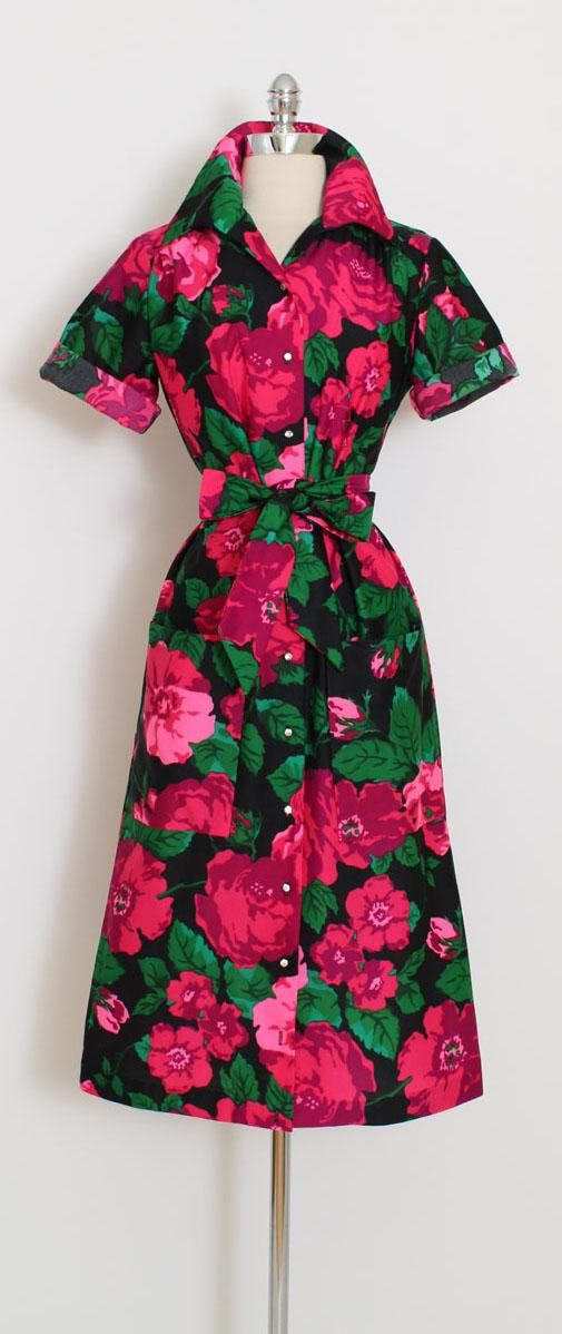 ➳ vintage 1960s dress * fabulous rose print shirt dress! * rhinestone button closure * detachable tie belt * front pockets * stretchy mid-weight poly * by The Spectator condition | excellent fits like large length 44 bust 42 waist 38 hips 40 shoulders 16 some clothes may be clipped on dress form to show best fit for appropriate size. ➳ shop http://www.etsy.com/shop/millstreetvintage?ref=si_shop ➳ shop policies http://www.etsy.com/shop/millstree...