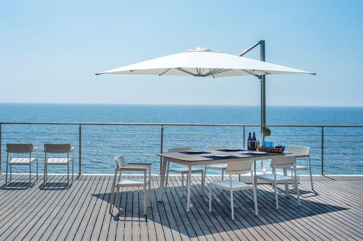 SHADE parasol, diseño Christophe Pillet |  SHINE mesa y silla, diseño Arik Levy