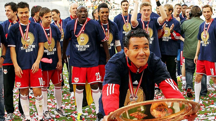 Ricardo Moniz, coach of FC Red Bull Salzburg quits his job after winning the Austrian Championship and Cup. :-( 13.06.2012