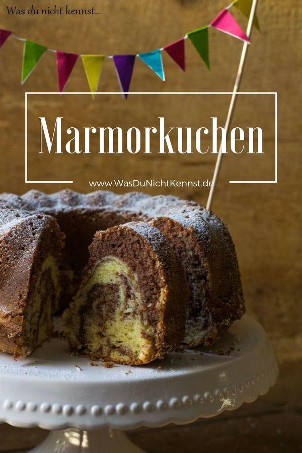 Ein Klassiker der Kuchenwelt: der Marmorkuchen. Einfach und schnell zubereitet, dabei so saftig und gut. Ein einfaches Rezept.