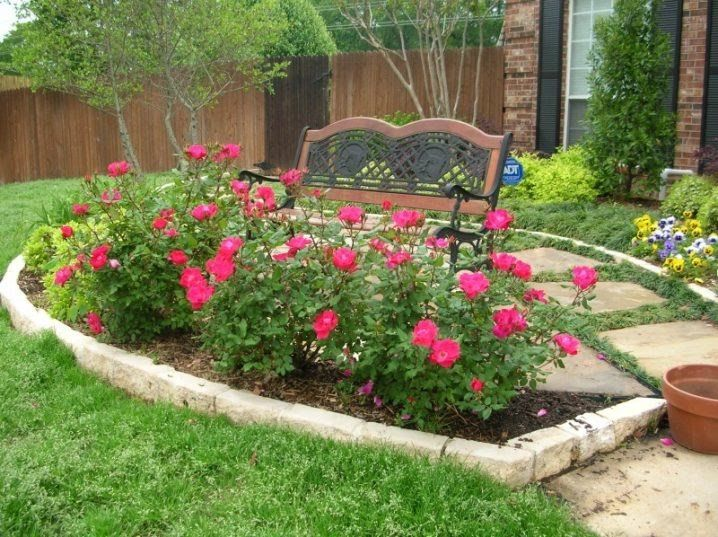 16 Small Flower Gardens That Will Beautify Your Outdoor Space Rose Garden Design Flower Garden Design Small Flower Gardens
