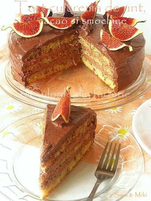 Tort cu crema de unt, cacao si smochine:  Cake with butter cream, cocoa and figs