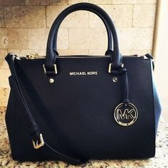 Amazing with this fashion bag! 2014 MK Handbags discount for you! $50.99