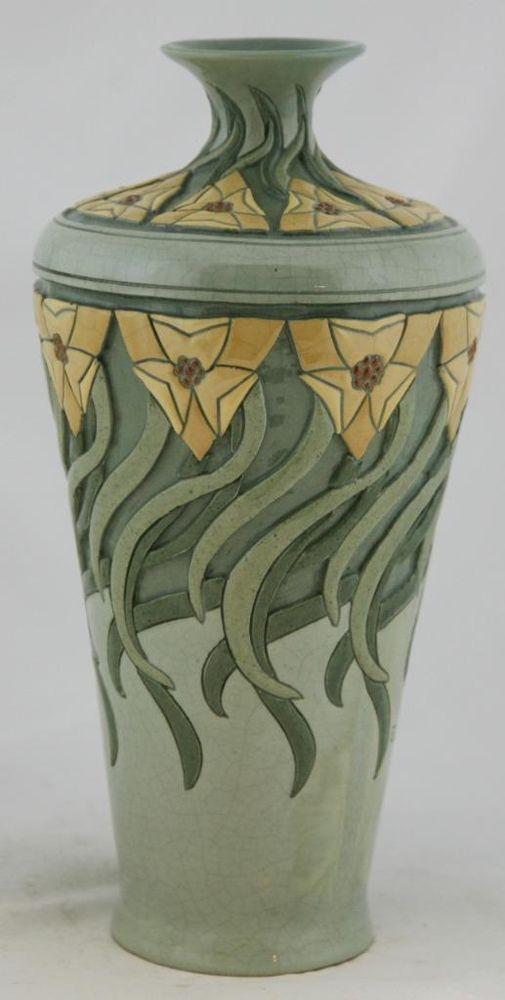 """Roseville Pottery   DELLA ROBBIA   11.5""""    Trillium   Ethel Caton"""