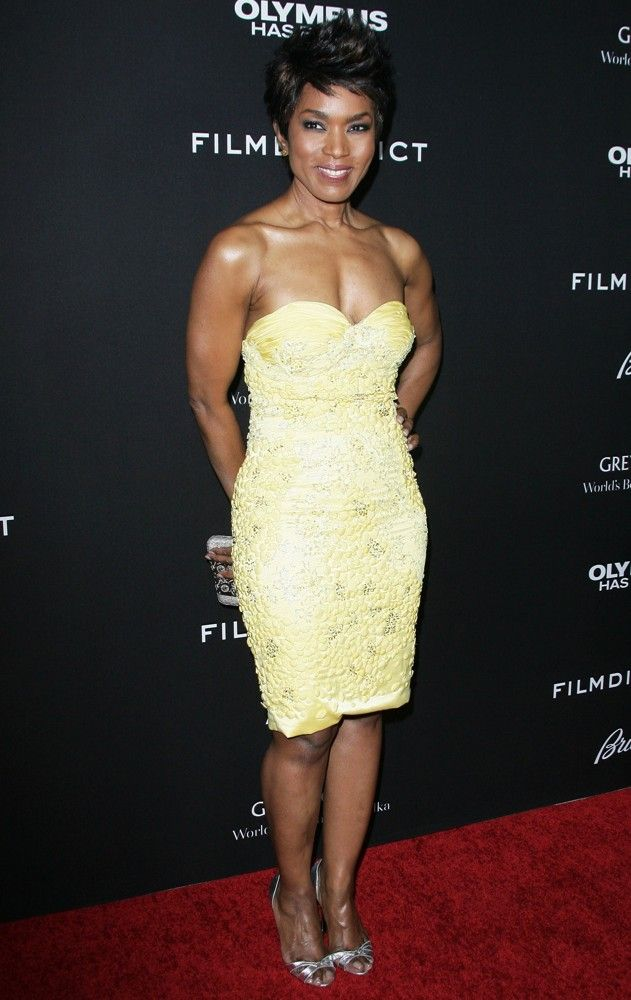 Angela Bassett Young | Angela Basset Is Happy About Her ...