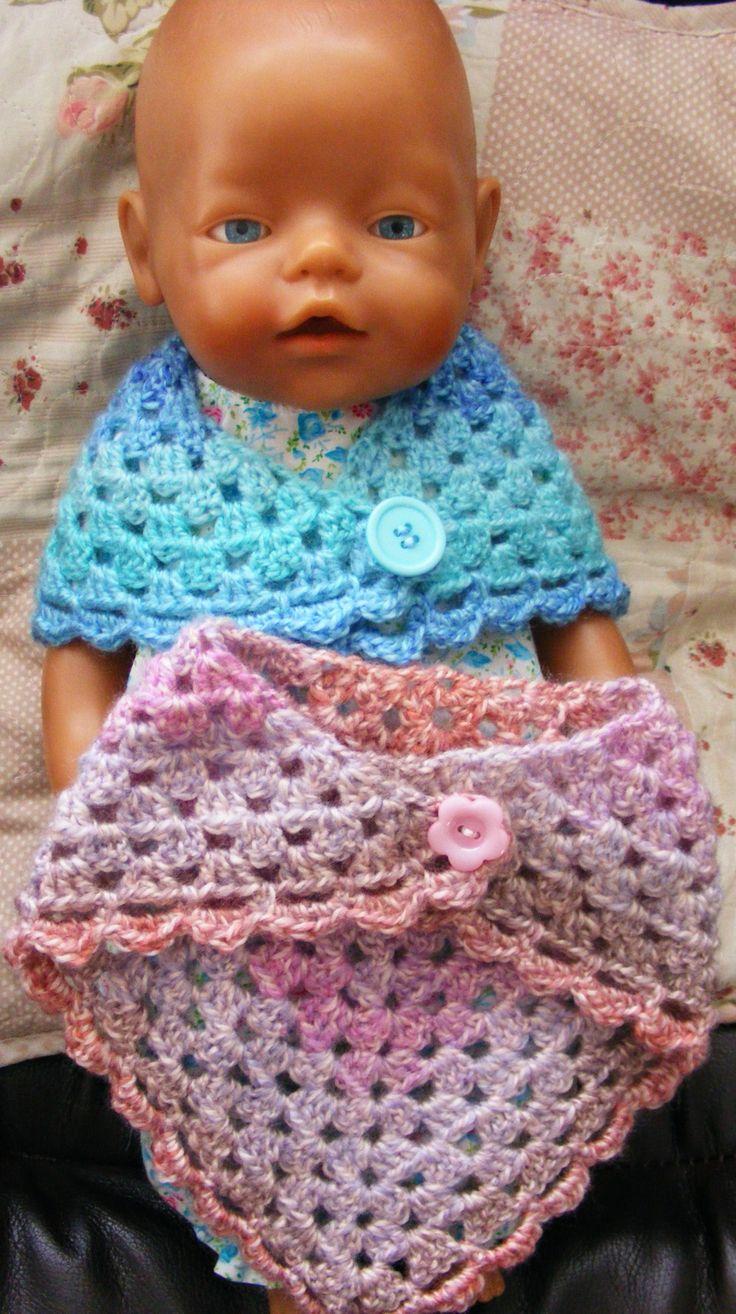 gemaakt van de restjes van de shawl voor mijn nichtjes. Nu hebben hun baby born poppen dezelfde shawl :)