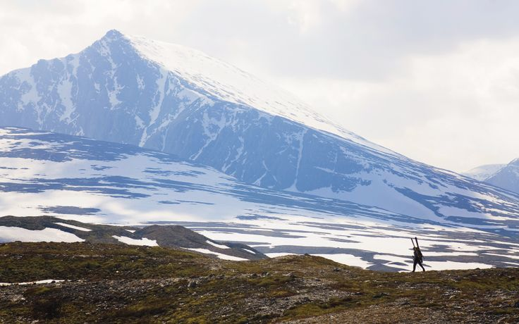 Finding the last great skiing for the season. Norways oldest national park Rondane. On the way to Digerronden.