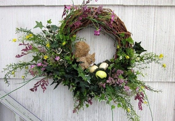 Woodland Wreath Floral Squirrel Bird's Nest