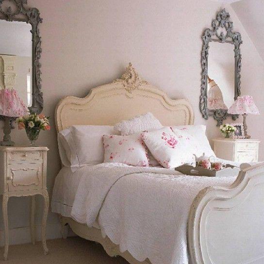 Camera da letto decorata