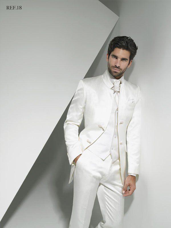 8e9ec03f06e6c Consejos para escoger el color del traje de novio