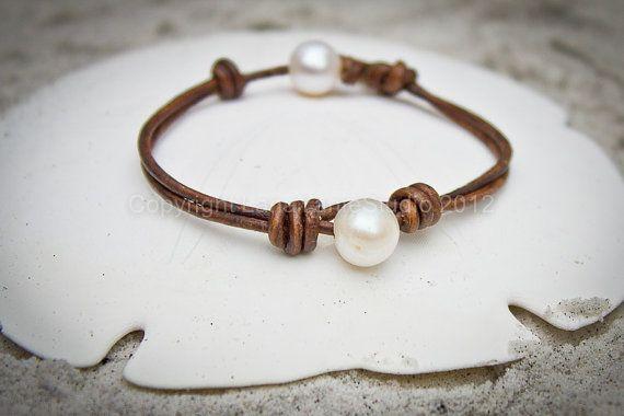 Cuero pulsera de perlas perlas cuero por LeatherPearlJewelry