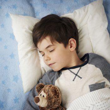 Aprende la técnica 4-7-8 para que tu hijo se duerma en un minuto (y tú).