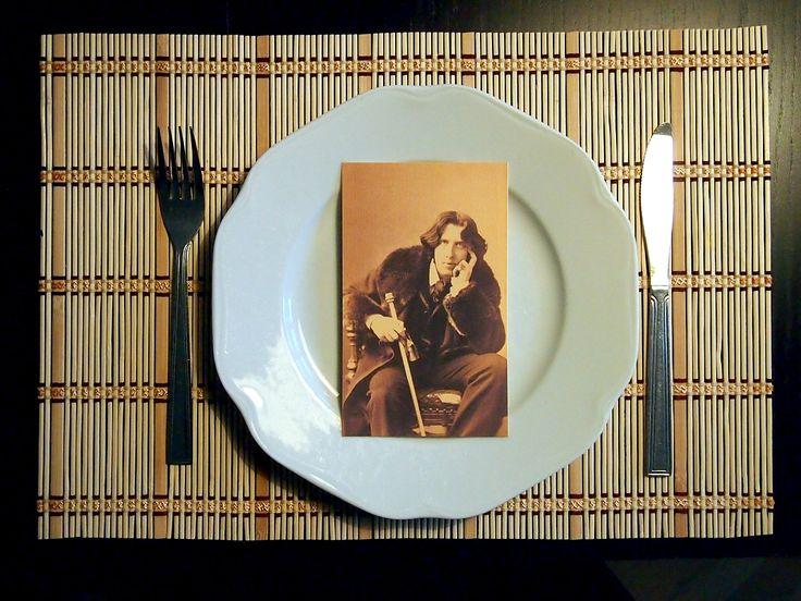 """Oskar Wilde: """"Po dobrém obědě lze odpustit každému, i vlastním příbuzným.""""."""
