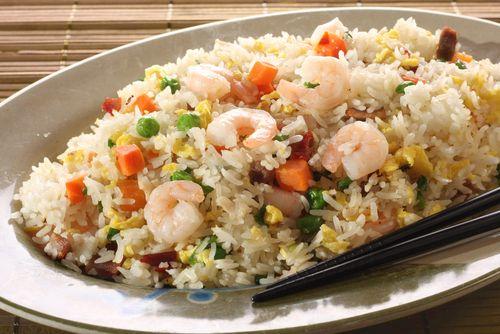 ¡Qué rica esta ensalada de arroz con gambas!  #arroz #ensaladas #recetasdearroz #recetasdeensaladas #ensaladadearrozcongambas #recetadeensaladadearrozcongambas