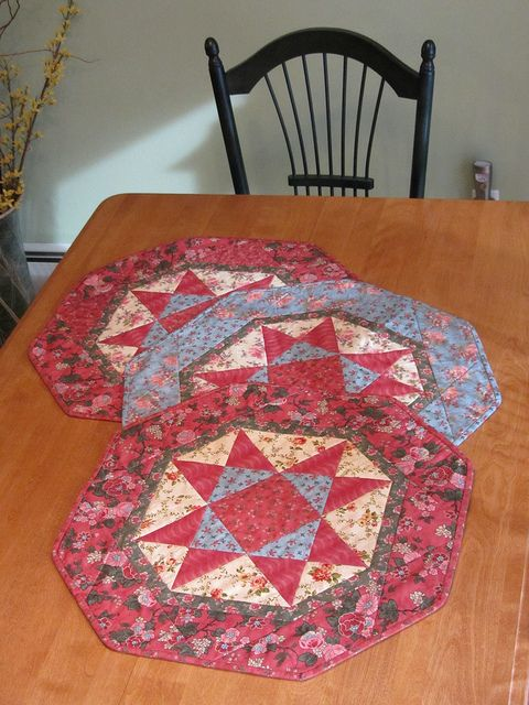 able pattern for spicy spiral tablerunner zip