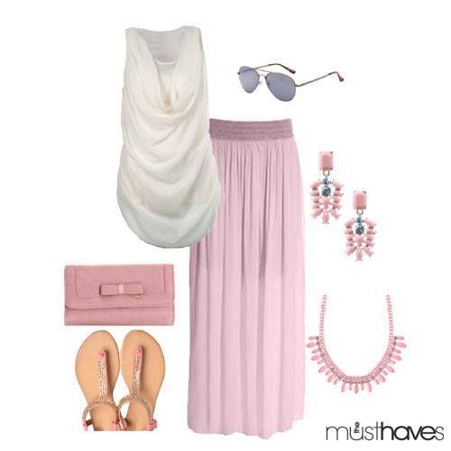 Dit setje vinden wij MAXImaal geweldig! De maxirok is lekker zwierig en luchtig en de haltertop maakt jouw look helemaal af ;-) Combineer met roze sieraden ♥ LOVE XX