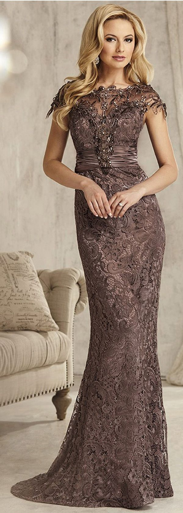 Chic Lace Bateau Neckline Mermaid Mother Of The Bride Dresses With Beadings