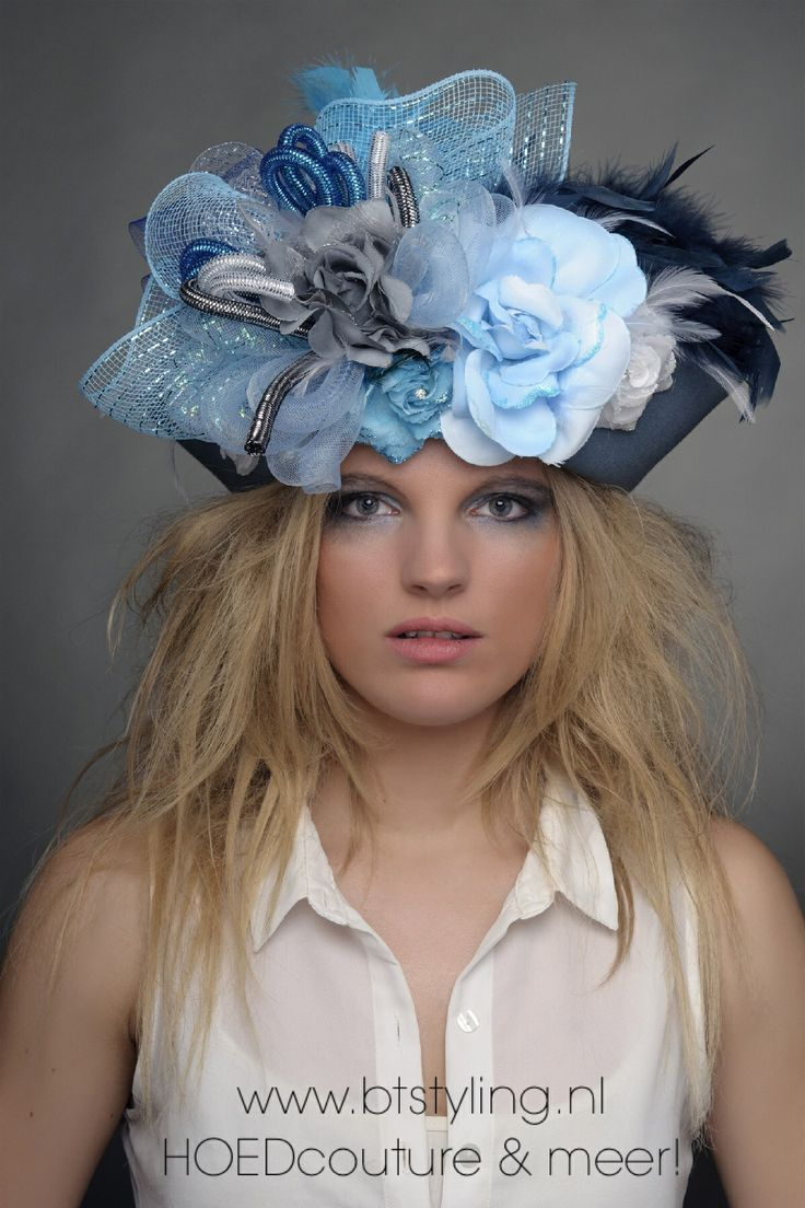 Handmade woolfelt hat in blue