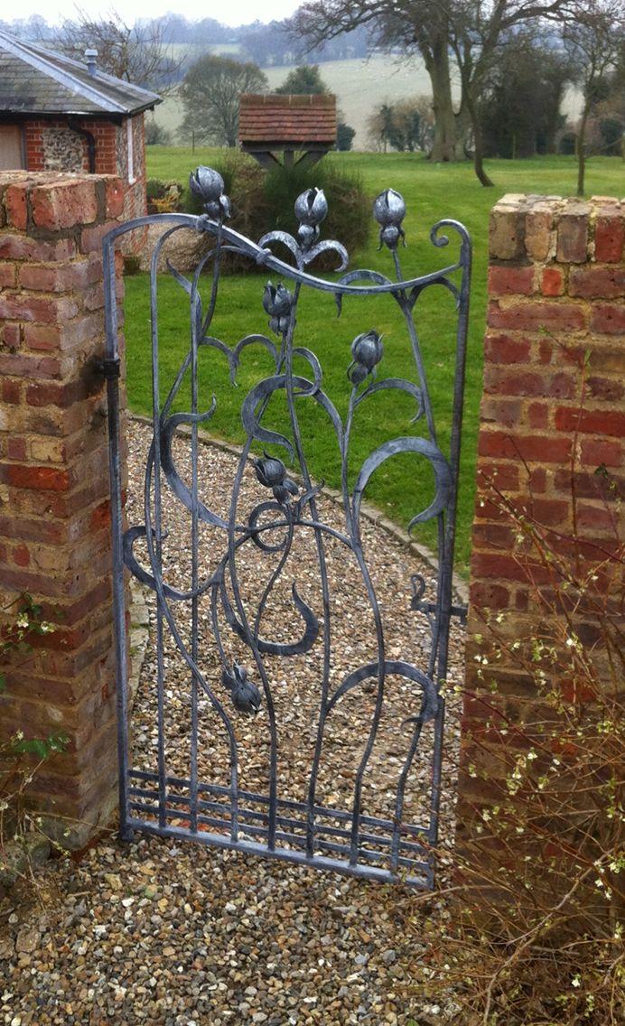 Art  bud gate