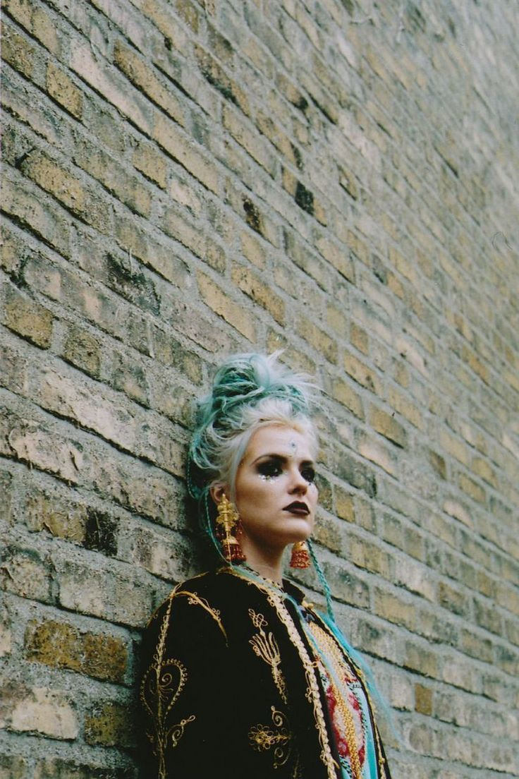 Enchantingly Witchy Editorials : 9 crow street