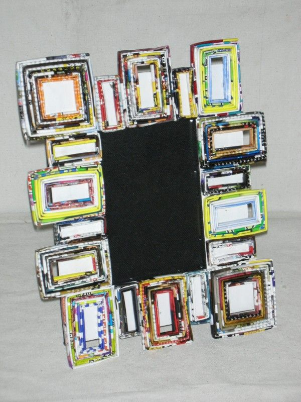 Portafoto asimmetrico con carta da giornale