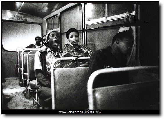ICP Infinity Award 2013 摄影奖项:Cornell Capa 终身成就奖 获奖者:David Goldblatt,出生于1930年,南非摄影师,其对种族隔离制度问题的拍摄是南非上世纪70年代最重要的摄影记录之一。
