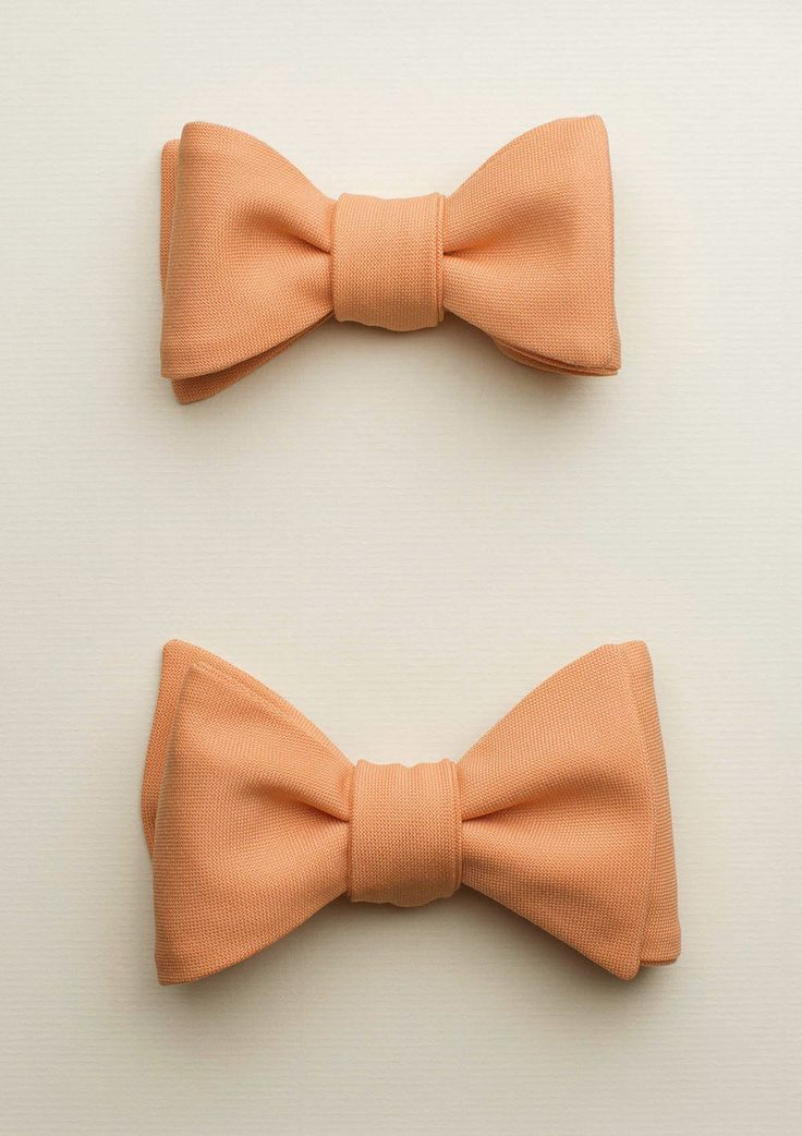 Zutiste 'Fête' nœuds papillon (French for 'bow tie'), made in Paris from pure English wool.