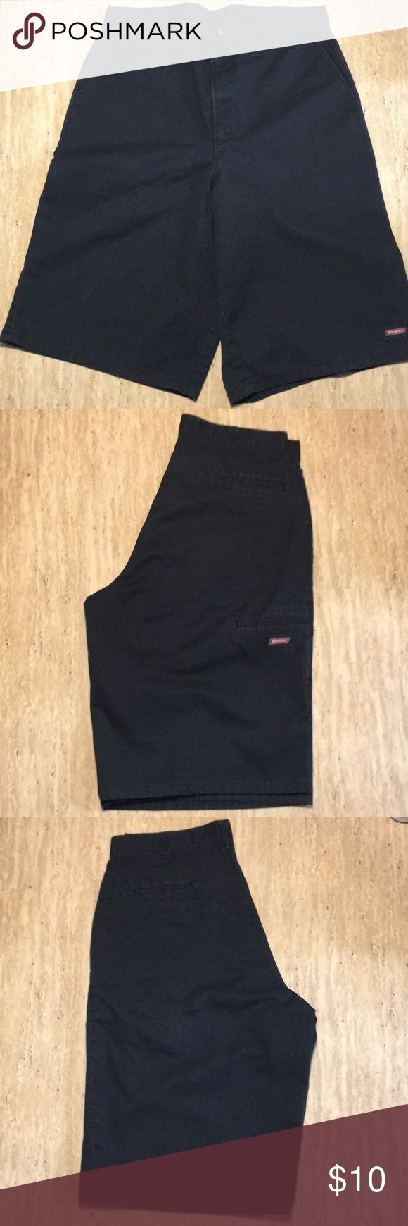 Men's Dickies short Men's Black Dickies Shorts. Gently worn and wash. Good conditions. Dickies Shorts Flat Front