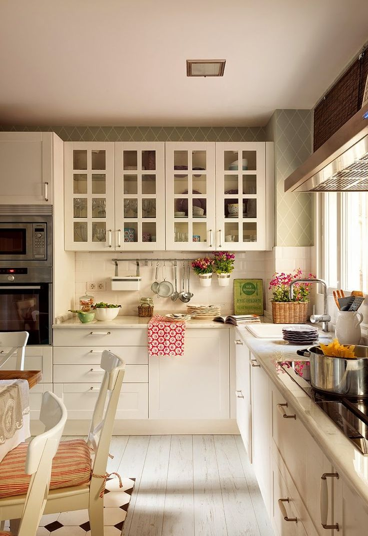 Patriotic kitchen - Pretty White Kitchen And Love The Hanging Plants