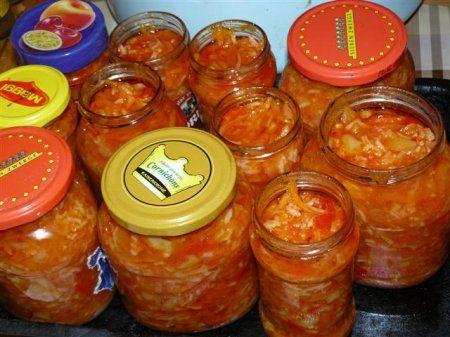 Консервированный салат с томатной пастой