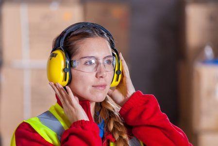 Wypadki podczas pracy zdarzają się zawsze w najmniej oczekiwanym momencie. Jesteś pracodawcą i zatrudniasz wiele osób? Pamiętaj o tym, aby odpowiednio je zabezpieczyć przed wszelkimi możliwymi zagrożeniami. Szczegółowe zasady określane są w regulaminie BHP. To tam znajdziesz niezbędne informacje na temat tego, w jaki sposób należy dbać o bezpieczeństwo pracy. My z kolei przedstawimy jakie …