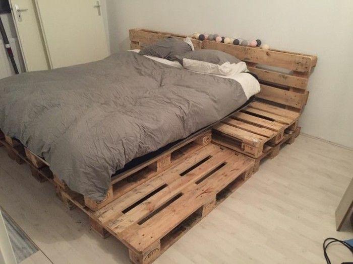 petite chambre mise en place - super lit - conception de palettes en bois