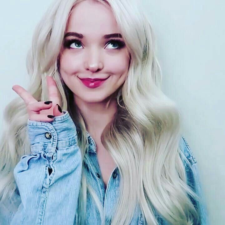 Peace,,, Miss Dove Cameron I want a piece of your ass !!!!