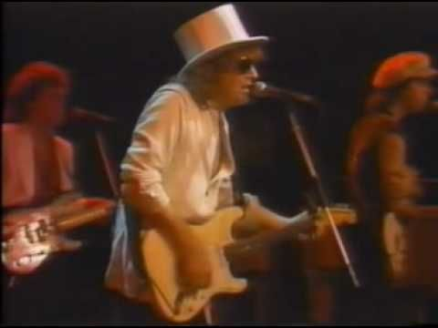 IAN HUNTER  10  All the young dudes 10 of 10 NYC 81