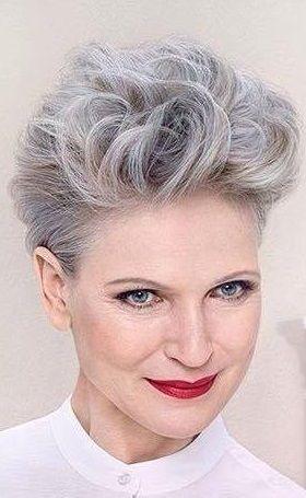 Grijs een saaie haarkleur? Deze 10 korte kapsels bewijzen het tegendeel! - Pagina 2 van 10 - Kapsels voor haar